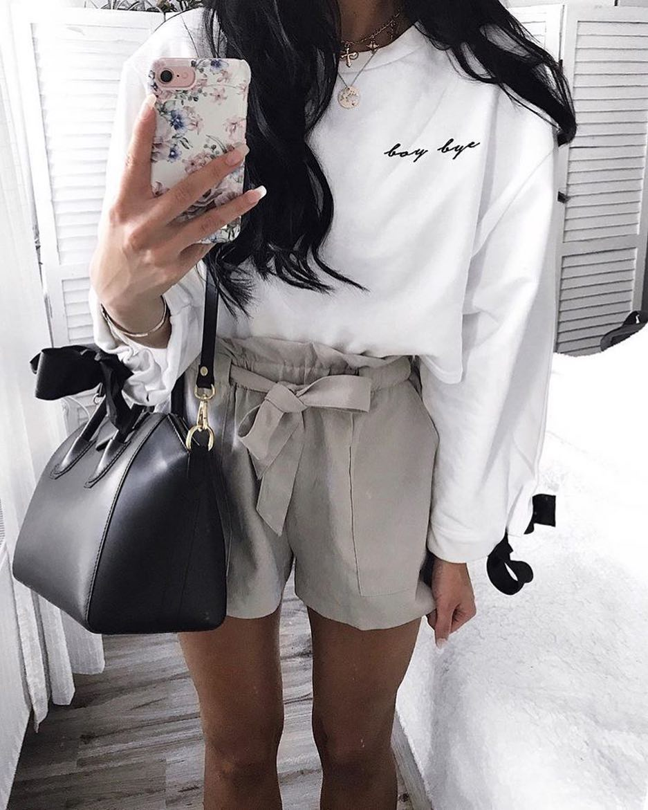 How To Wear White Sweatshirt Tucked In Light Grey Gathered Shorts 2020