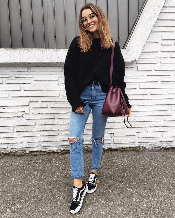 Hipster Basics: Oversized Black Sweater, Knee Ripped Jeans And Black Trainers 2021