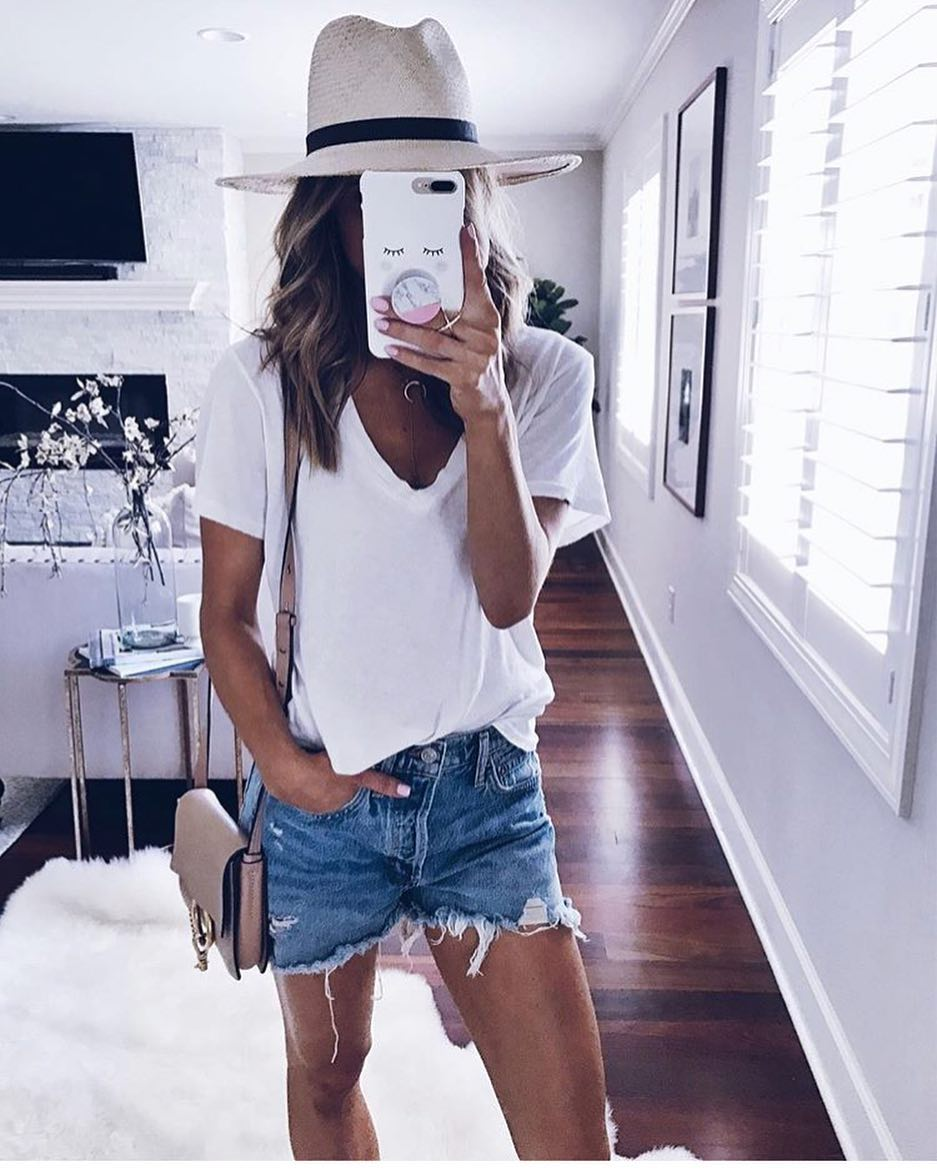 Summer Basics: How To Wear Panama Hat With White T-Shirt And Denim Frayed Shorts 2019