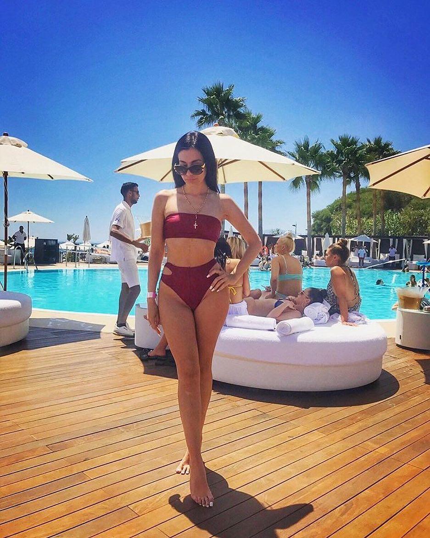 Poolside Party Outfit Idea: Maroon Bikini Set 2020