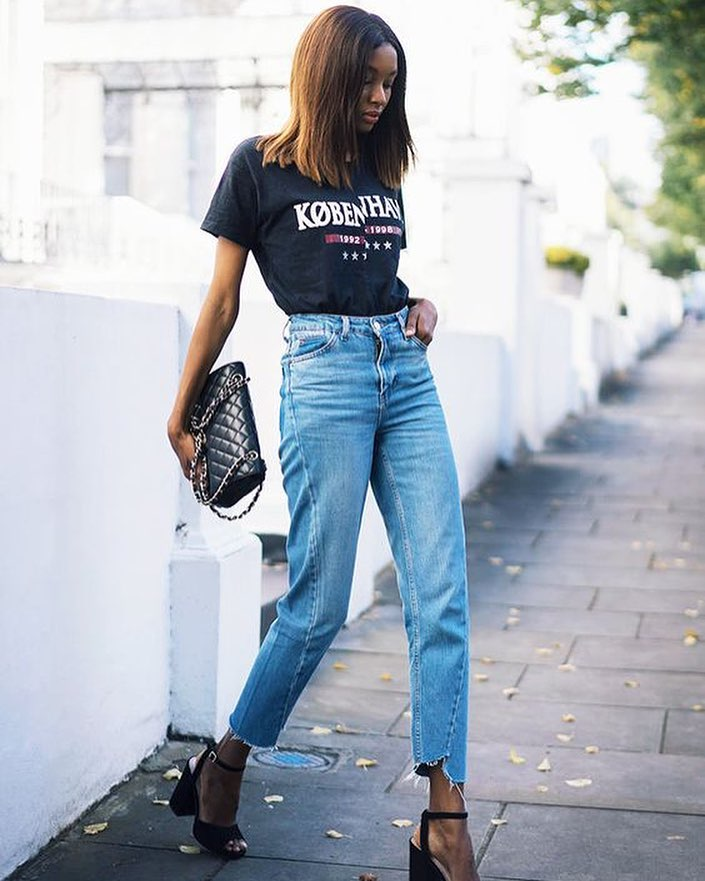 4ae5565d774 London Summer Outfit Idea  Black T-Shirt Tucked In High-Rise Mom Jeans