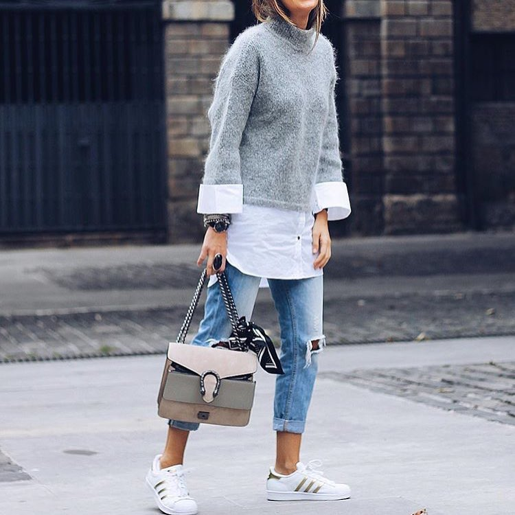 Sporty Normcore Style: White Sneakers, Short Jeans And Grey Sweater 2019
