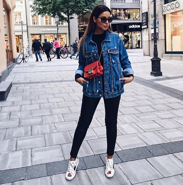 Long Blue Denim Jacket And Black Coated Leggins With White Sneakers 2019