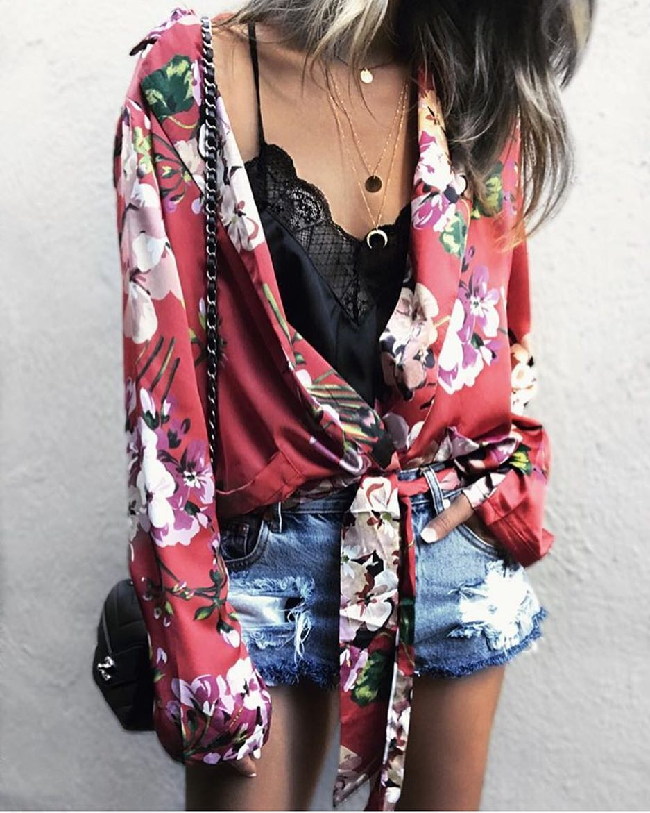 Edgy Bohemian Style: Floral Kimono Shirt, Black Slip Top And Ripped Denim Shorts 2019