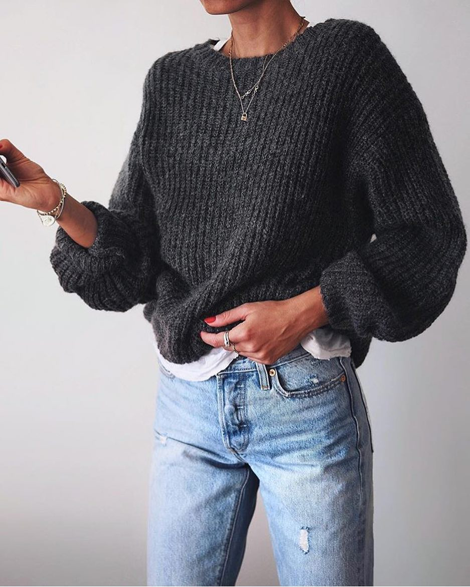 How To Wear Oversized Grey Sweater This Spring 2021
