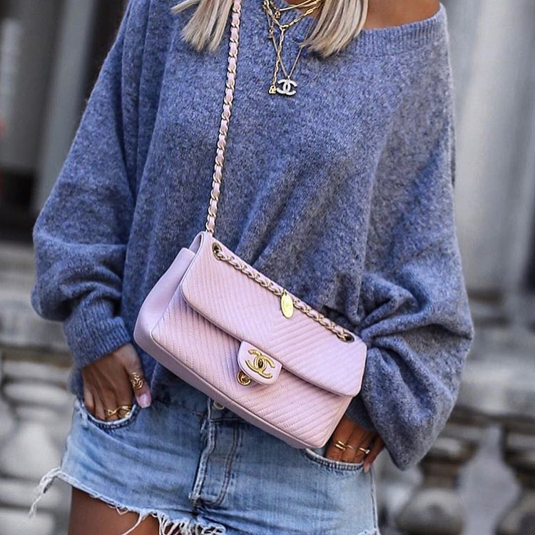 How To Style Drop-Shoulder Grey Oversized Sweater This Spring 2019