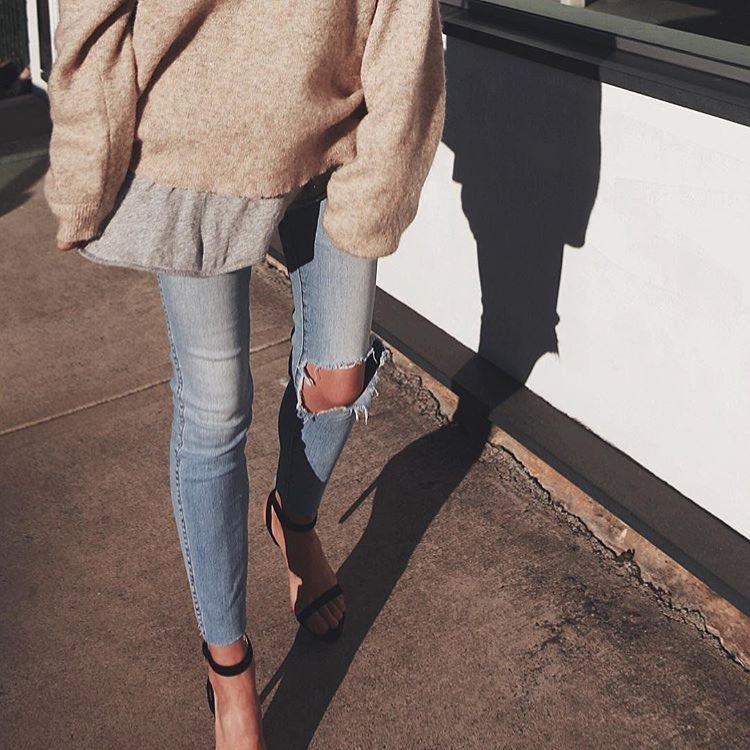 How To Wear Oversized Sweater With Heels This Spring 2019