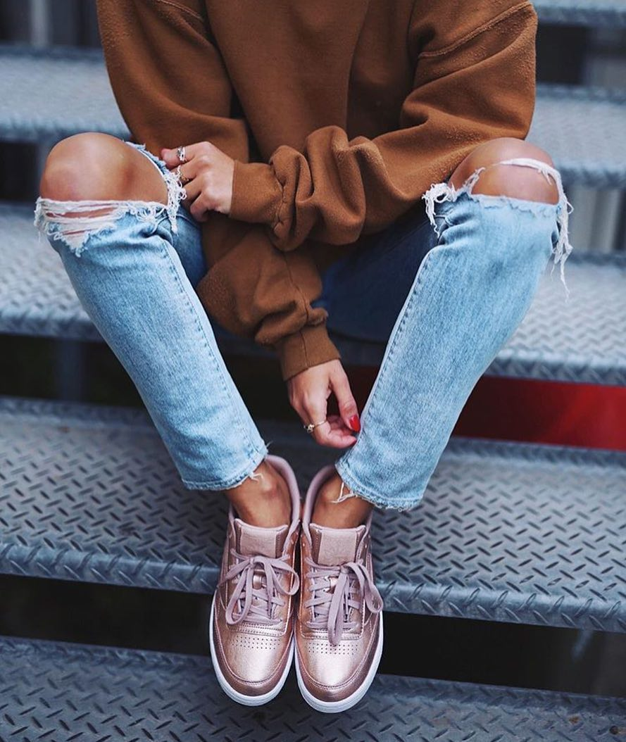 How To Wear Metallic Blush Sneakers This Spring 2020