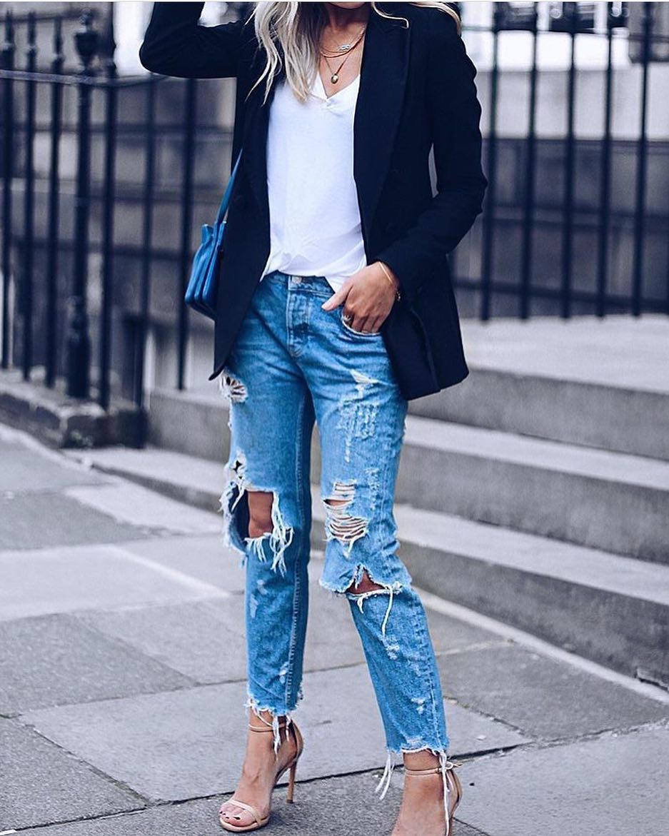 Spring Casual Style Basics: Black Blazer And Ripped Jeans 2019