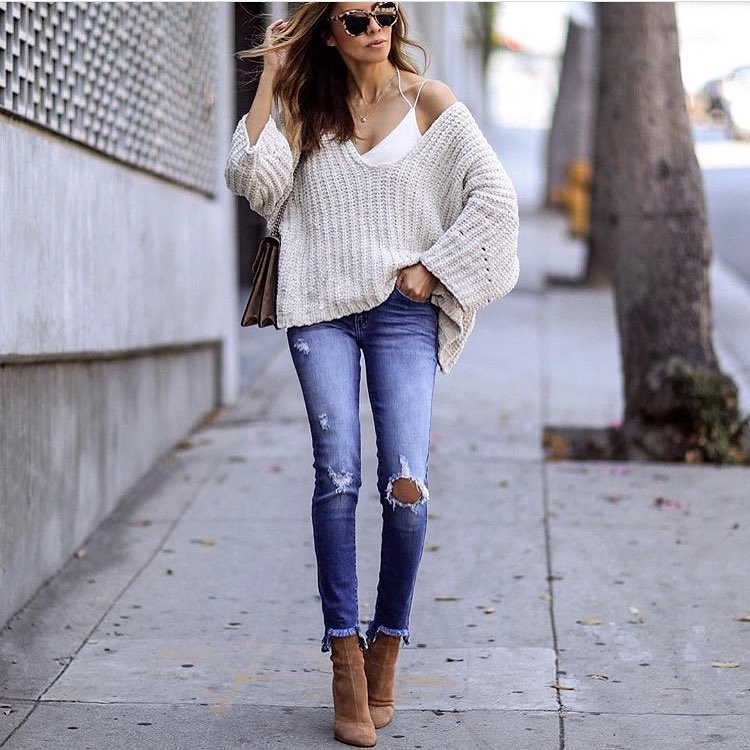 Spring Slouchy Outfit Idea: Slouchy Sweater, Ripped Skinnies And Suede Ankle Boots 2019