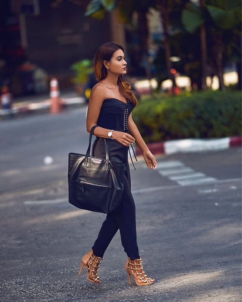Summer Evening Outfit Idea: Black Corset Top, Tailored Pants And Caged Sandals 2020