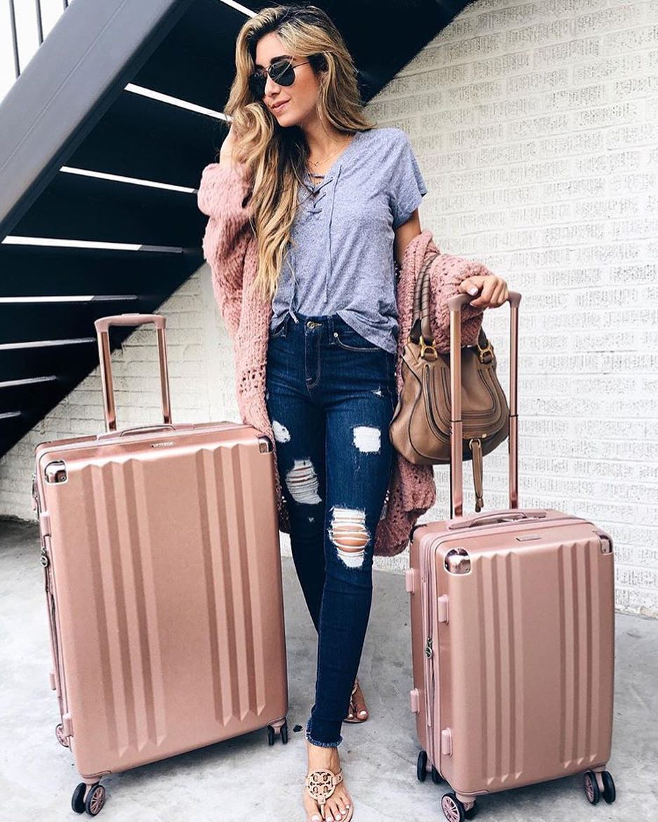 Summer Airport Outfit Idea In Casual Style 2019