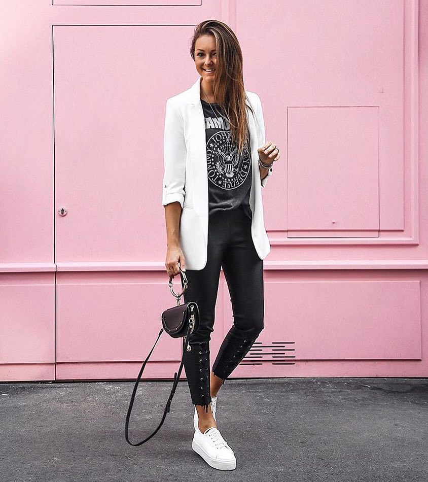 Glam Rock Look For Summer With White Blazer And Black Leather Pants 2020