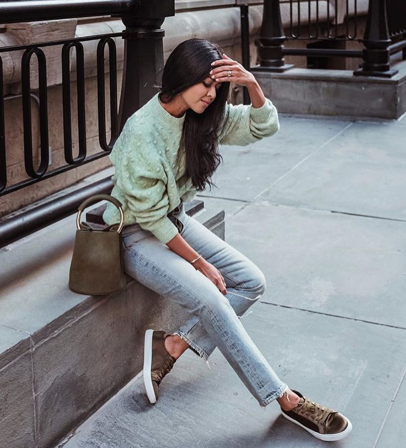 Can I Wear Pastel Green Sweater On The Streets This Fall 2019