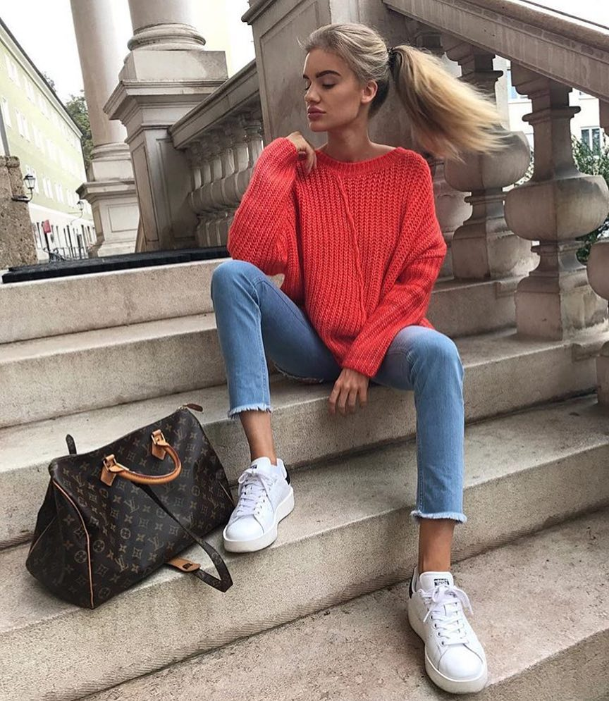 Red Sweater With Blue Jeans And White Sneakers For Fall 2020