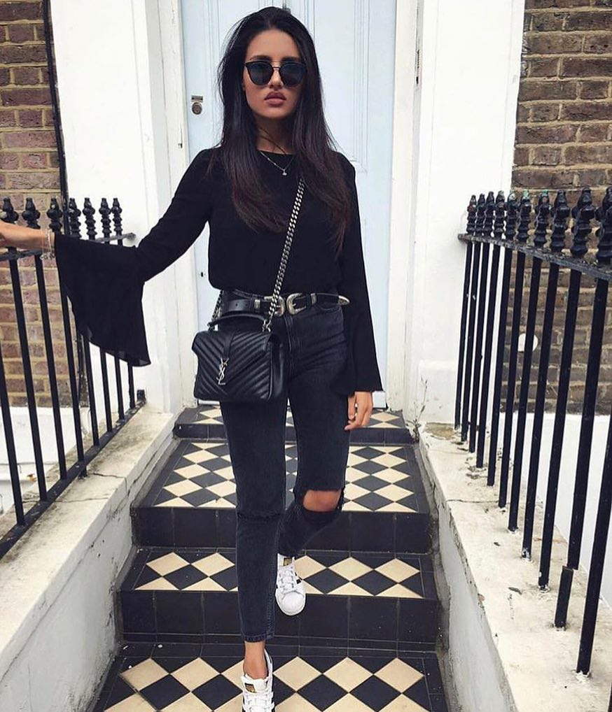 All Black Look For Fall: Bell Sleeve Sweater, Jeans And White Sneakers 2020