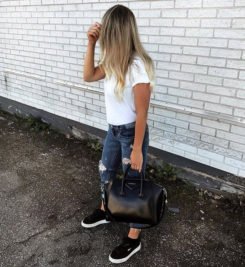 Summer Basics: White T-Shirt, Ripped Jeans And Black Trainers 2019