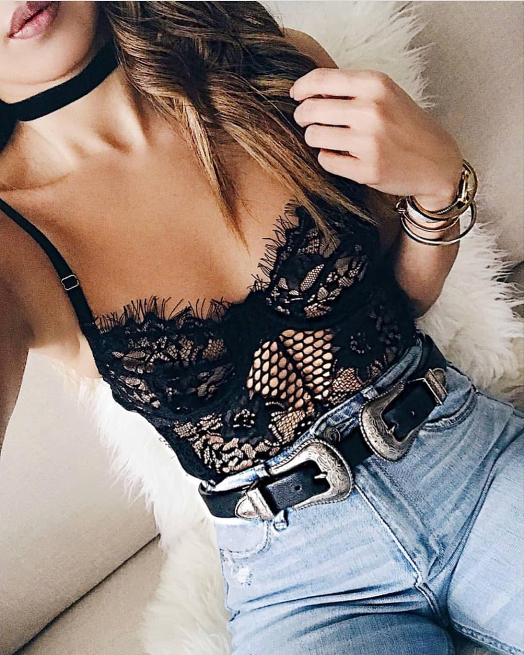 Can I Wear Lace Bodysuit In Black With High Rise Jeans 2019