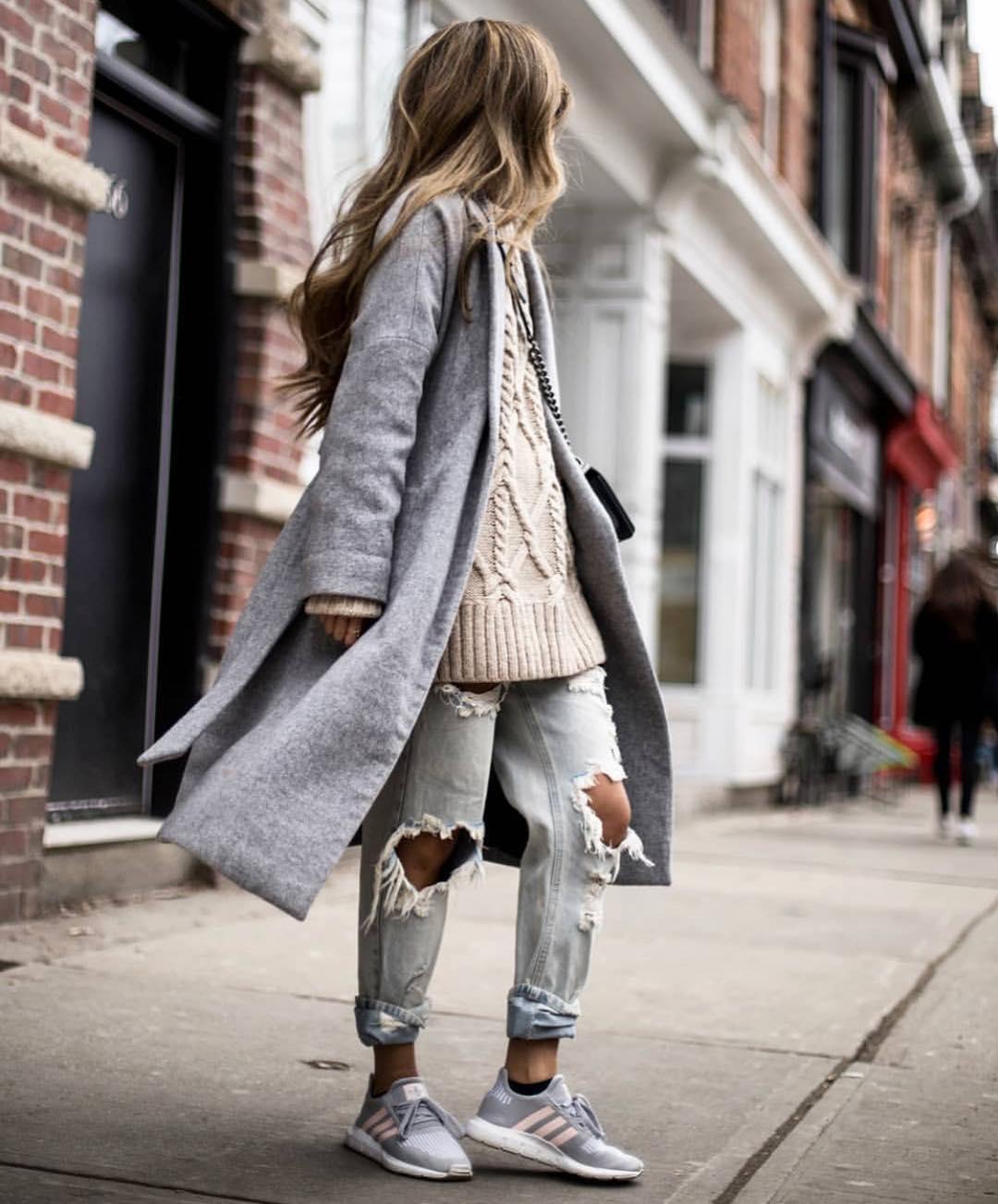 How To Wear Oversized Coat With Boyfriend Jeans For Fall Street Wear 2019