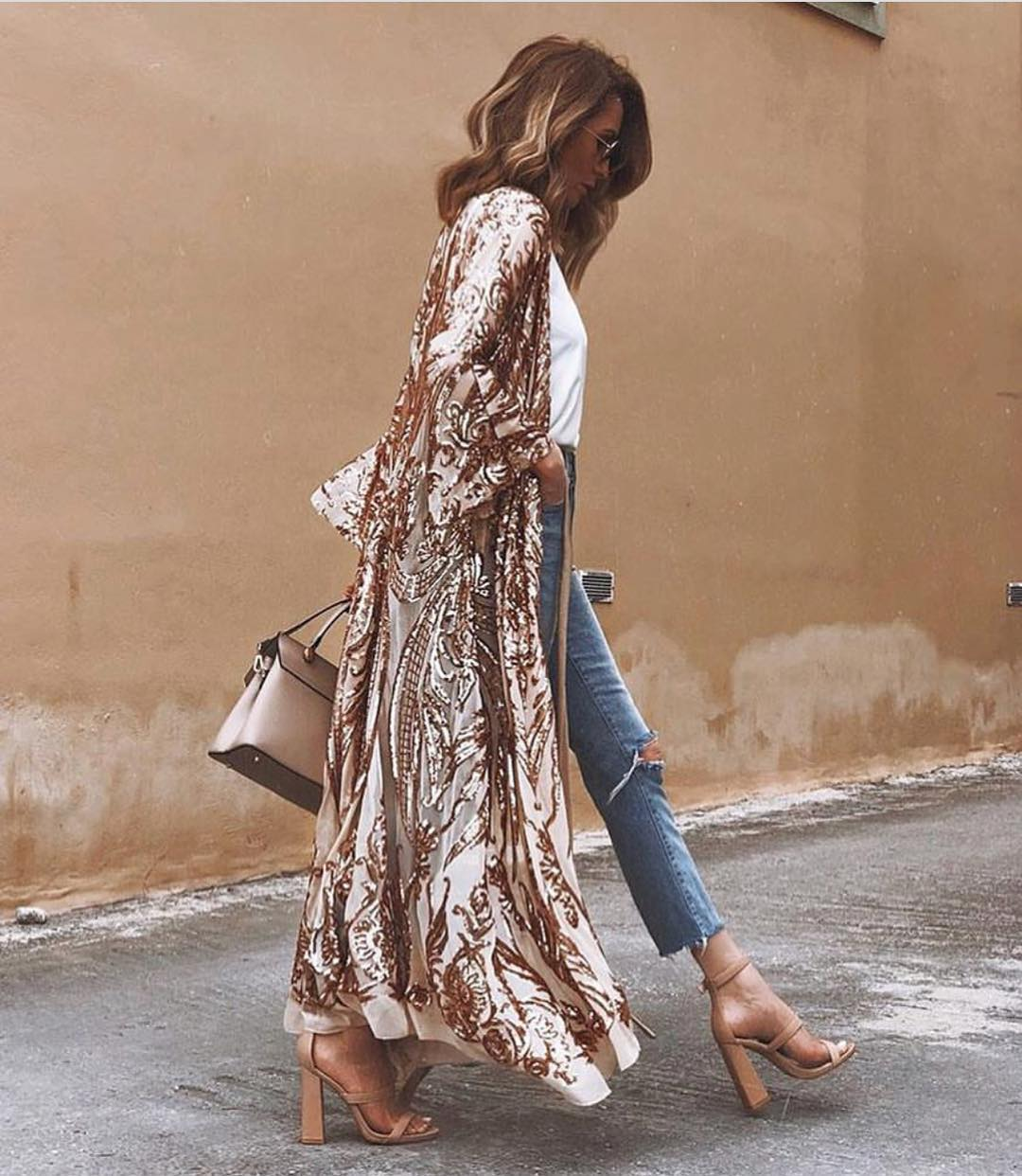 Can I Wear Shiny Gold Maxi Kimono With White Top And Ripped Jeans 2020