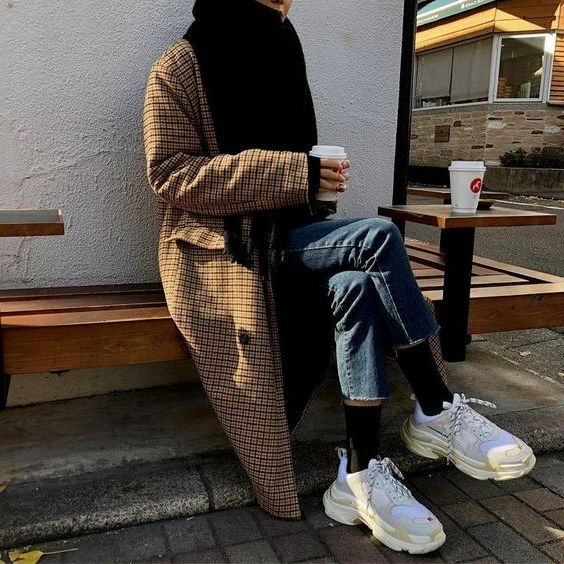 Women Sneakers For Winter: Best Women Outfits 2020